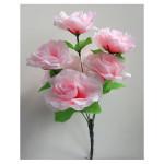 Роза нежно розовая