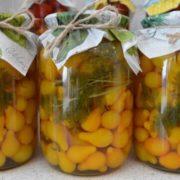 Маринованные томаты Желтые конфетки
