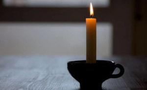 пламя свечи показывает влажность в погребе
